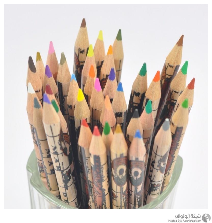 أقلام ملونة