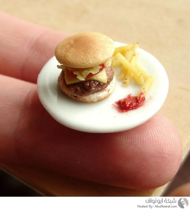 أطباق طعام مصغرة