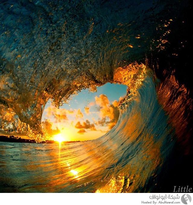 الأمواج المتلاطمة 1