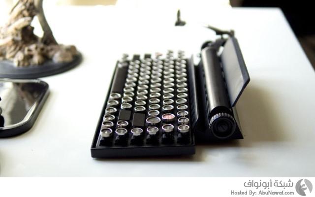 لوحة المفاتيح مشابهة لطبيعة عمل آلة الكتابة القديمة  2