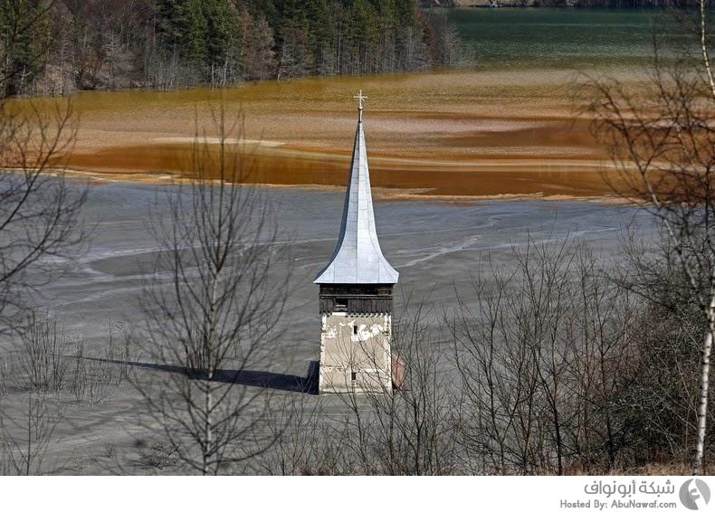 قرية مغمورة بالمياه