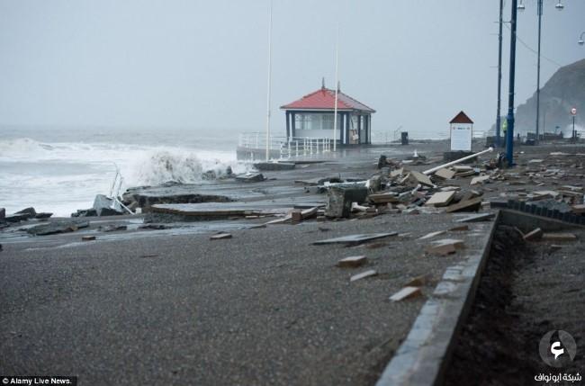 الأضرار في بريطانيا نتيجة للعواصف 9