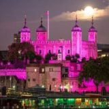لندن باللون الوردي