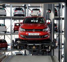 ترتيب السيارات في مصنع فولكس واجن