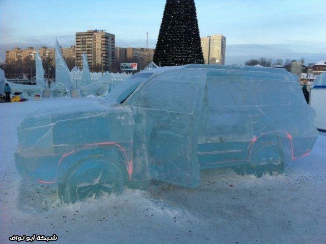 لاند كروزر من الجليد