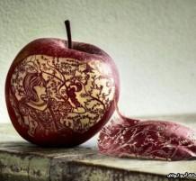 النقش على التفاح
