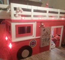 غرفة نوم رجل الإطفاء