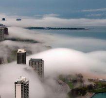 مدينة شيكاغو وسط الضباب