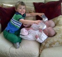 أطفال طريفين