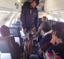 ركاب في الطائرة