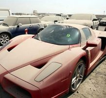 سيارات فخمة مهجورة