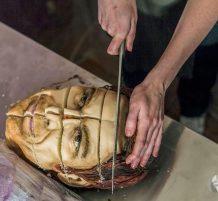 كيك على شكلة جثة إنسان