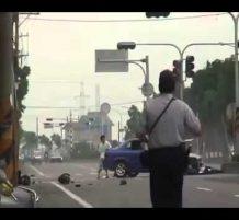 اصصدام مباشر بين سيارة و دراجة نارية