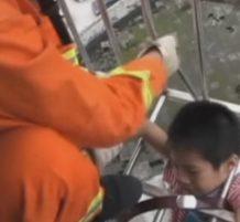 إنقاذ طفل صيني