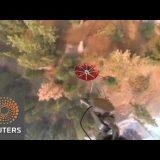 طائرات تلقي الماء لإطفاء الحرائق