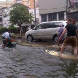 التزلج في مياه الفيضانات