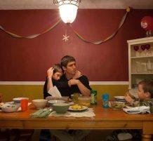 أطفال مع والدهم
