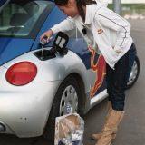 تعبئة ريدبول بدل البنزين