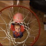 طفل بمهارة غير عادية