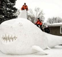 أعمال فنية من الثلج