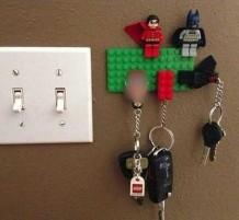 استعمال ذكي لقطع الليغو لتعليق المفاتيح
