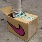 حذاء من الكرتون