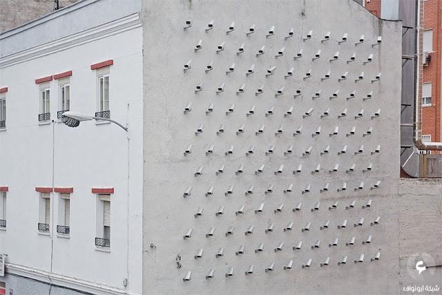 150 كاميرة مراقبة مركبة على حائط مبنى