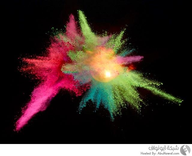 انفجارات حيوية ملونة
