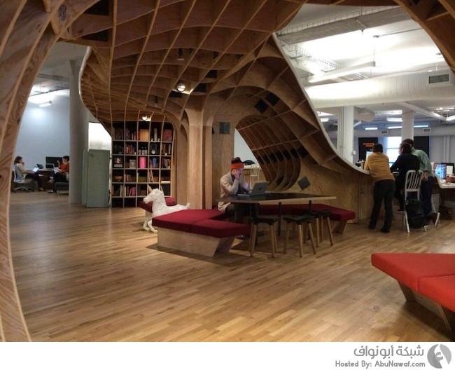 مكتب بتصميم عصري