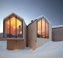 منزل تم بنائه وسط الجليد بأسلوب راقي