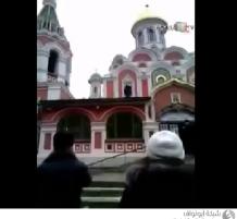 الآذان فوق كنيسة