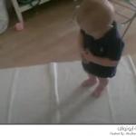 طفل يصلي قبل أن يتكلم