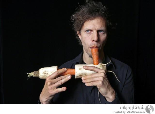 أوركسترا تؤدي معزوفاتها بالخضروات