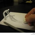 يرسم بقلم رصاص
