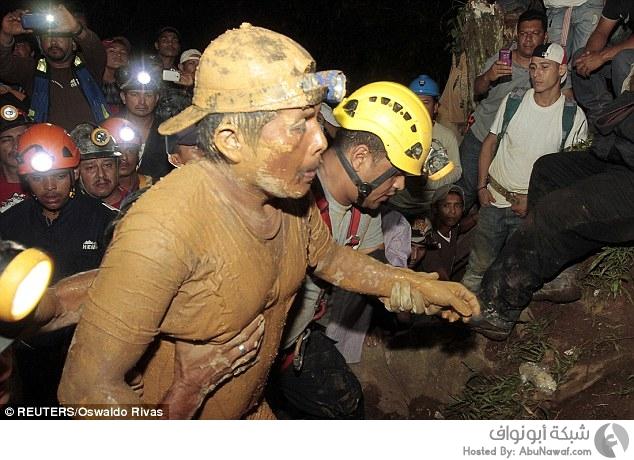 إنقاذ عمال احتجزوا في منجم ذهب