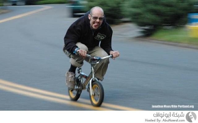سباق لراكبي دراجات الأطفال