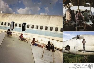 مطار مهجور يصبح ملعب لأطفال الشوارع