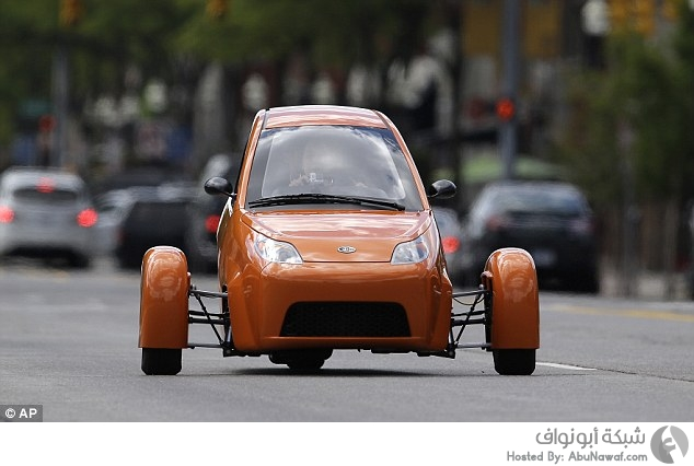 سيارة Elio