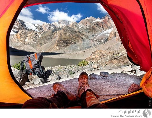 صور جبال من داخل خيمة