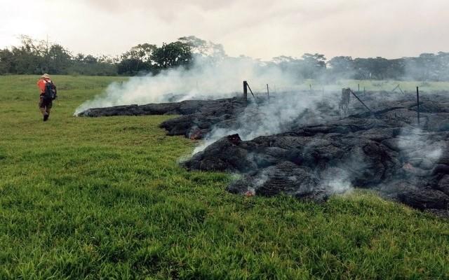 هاواي تستعد للإجلاء رسمياً بعد إجتياح الحمم البركانية لأفنية المنازل