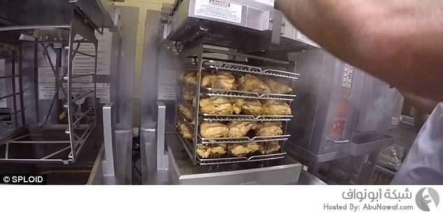 """جولة في مطبخ """"KFC"""""""