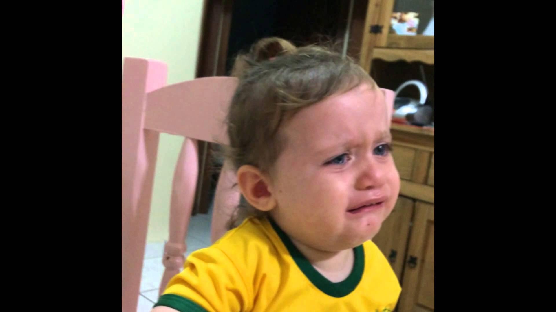 ردة فعل طفلة برازيلية بعد إصابة نيمار