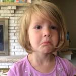 ردة فعل طفلة اكتشفت أن الصورة التي مسحتها لن تعود