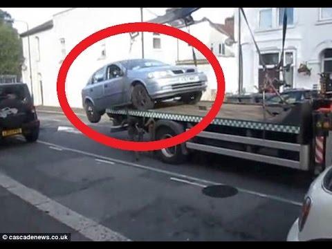 سواق يهرب من سحب سيارته في لندن (فيديو)