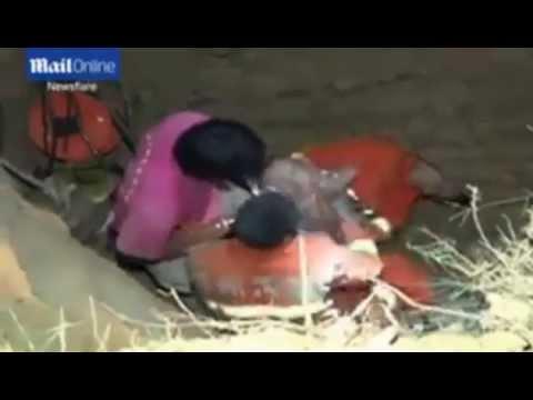 سقوط طفل في حفرة