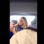 أب يصور ابنته بالسر أثناء أخذ صور selfies لنفسها
