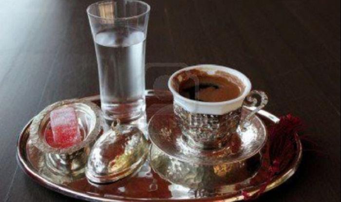 ماء وقهوة