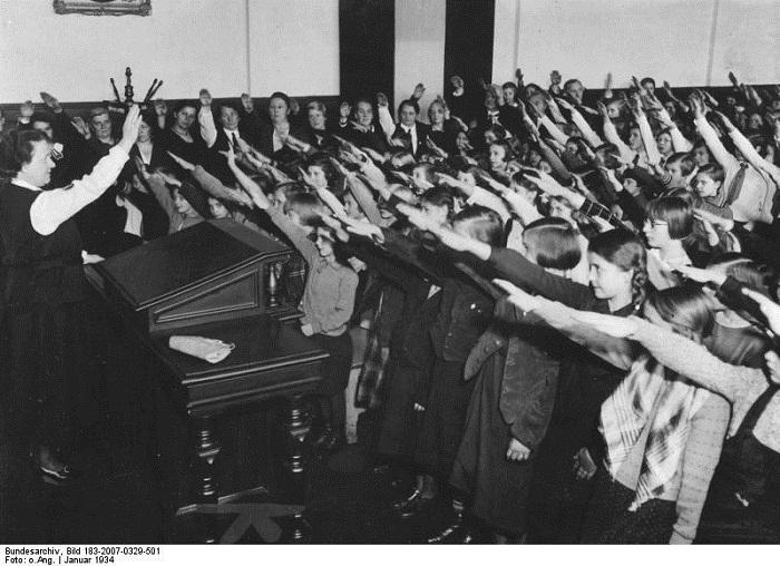 تحية هتلر