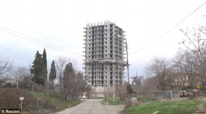 تفجير مبنى