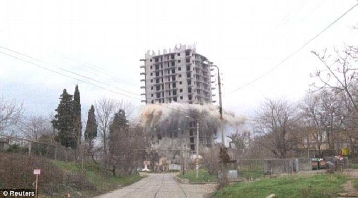 تفجير مبنى2